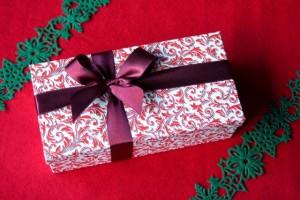 クリスマスプレゼントで男性の30代には?ランキングや本音って?