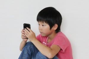 子供に携帯はいつから持たせる?ルールや約束は?